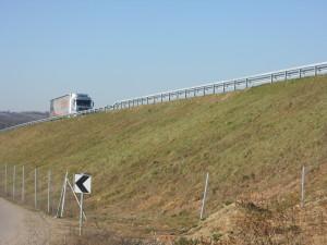 Ograda ukradena sa tri mesta duž autoputa koji prolazi kroz selo