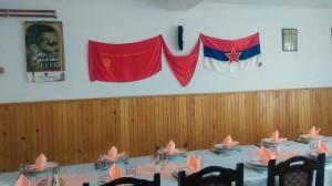 Umesto Svetog Nikole, na zidu Titova slika: Sve spremno za goste